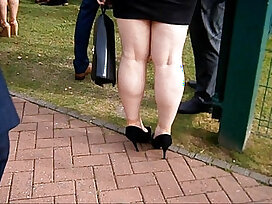 legs-mature-older woman-sexy-thick